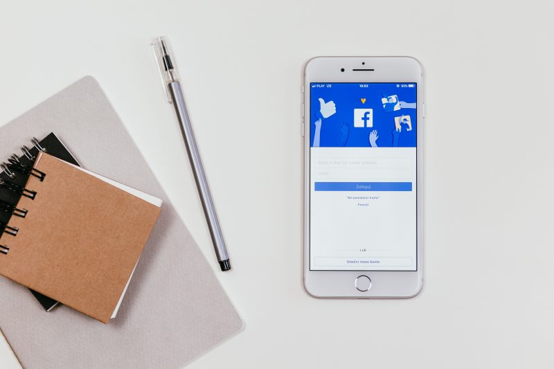 smartphone opened to Facebook | facebook messenger marketing